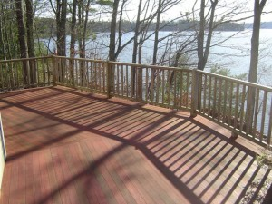 Applying_Deck_Stain